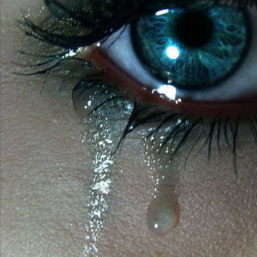 Фото на аву в вк со слезами