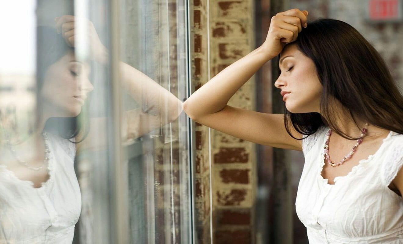 Депрессия после выкидыша - как справиться, советы психолога